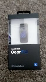 Brand new in box Samsung gear fit2
