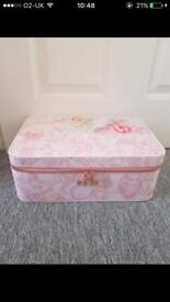 Large Ted baker case Includes Ted baker bath and body set
