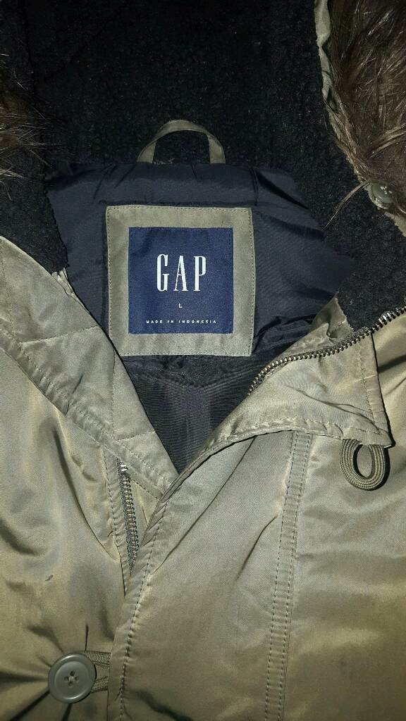 Cheap Coatin Kentish Town, LondonGumtree - Cheap GAP JACKET. Large. £25 ONO Good condition ready for winter. Very cheap. Only zip is broke but easily replaceable. Buttons up nicely. Quick sale or going in charity shop. No time wasters 07933725847