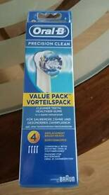 ORAL-B PRECISION CLEAN TOOTHBRUSH 4 HEADS