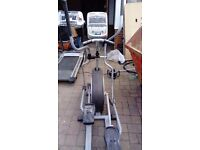 Horizon E Track TE900 Elliptical Trainer. Comes with a 9 volt power supply