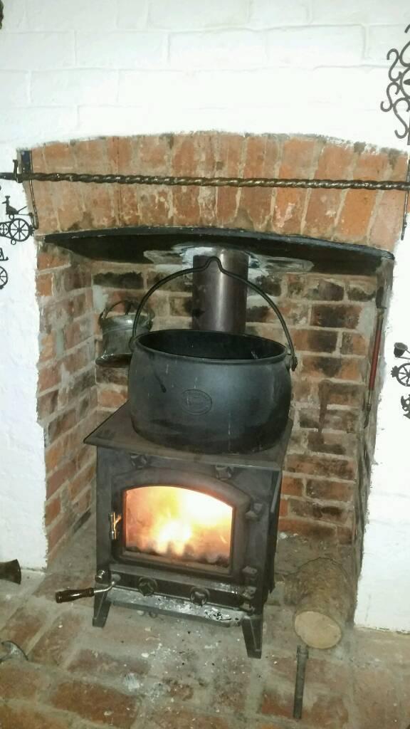 Large Cast iron cooking pot 11x16