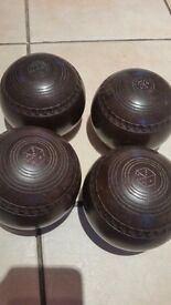 Set of 4 Henselite Bowls Old size 4 Great for beginner Brown in Colour