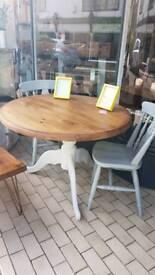 Pine round table