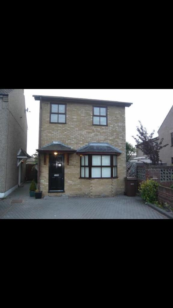 Lovely 3 bedroom to let ~ Aveley