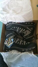 Solomon Quest 4D 2 GTX Hillwalking/Outdoor boots. UK size 10. BRAND NEW with tags - never worn.