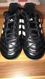 Boys size 1 adidas football/running shoes trainers vgc