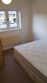 Single Room in Seven Sisters 1 Minute to Victoria line Tube station.