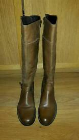 Women leather boots from Aldo size 40