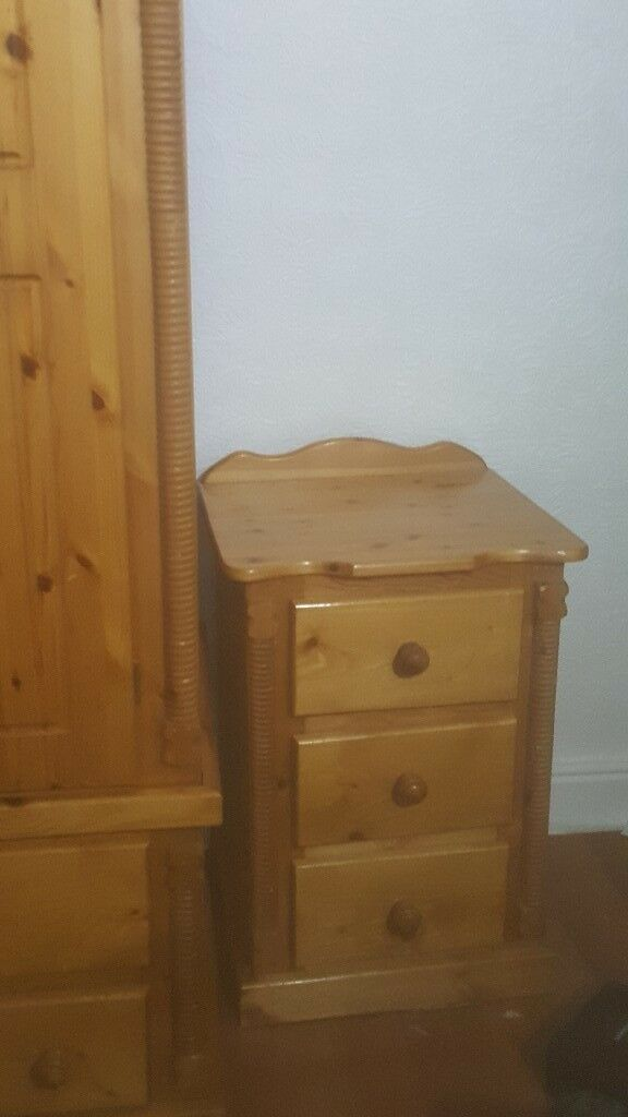 Pine 3 draw Wardrobe with bed chest draw