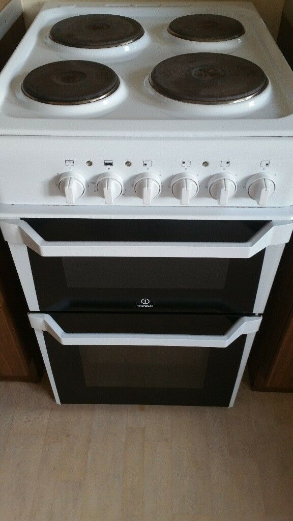 Indesit Electric Oven18mnth Oldnice And Clean Just Needs Glass