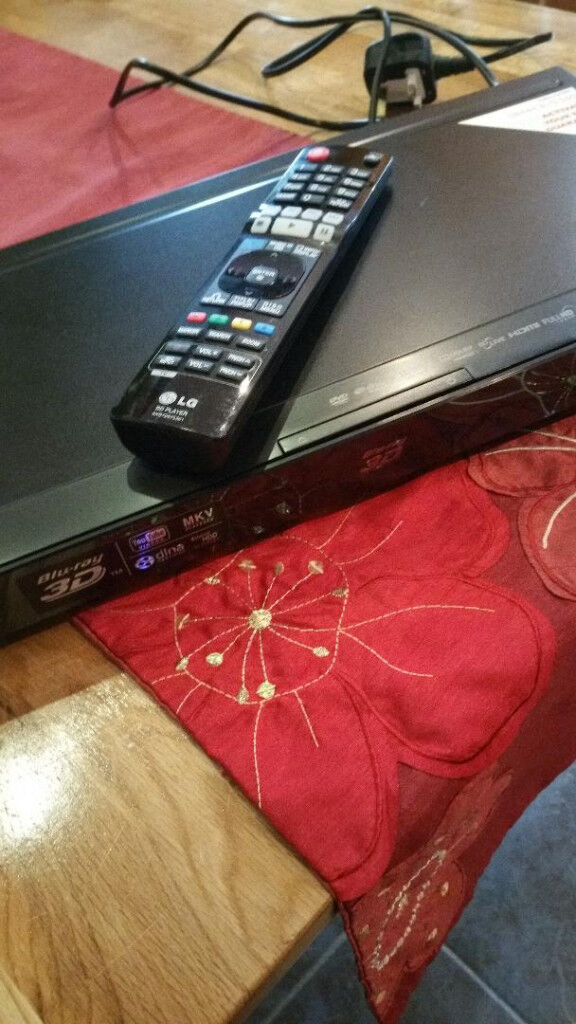 LG 3D BLURAY PLAYER WITH WIFI