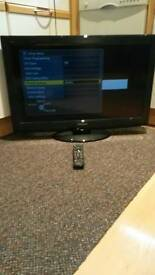 Panasonic viera 1080p full HD tv with freeview and remote