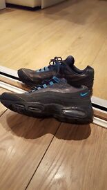 Nike Air Max trainers. Size 10. Worn. Good condition. Blue