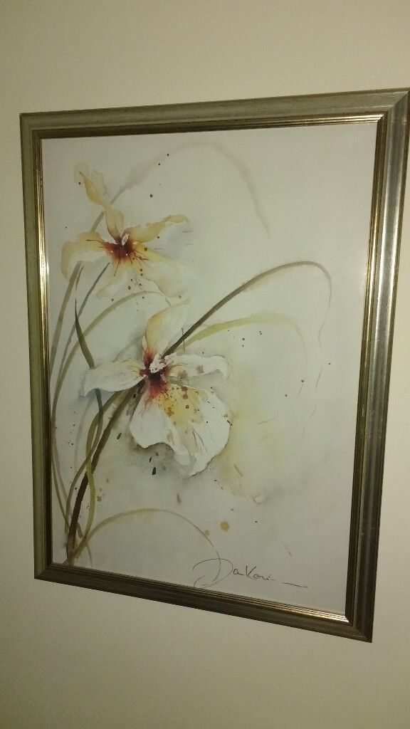 two floral prints prints nice frames good condition in warwick