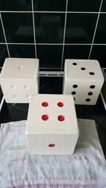 Decrotive wooden dice