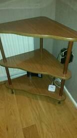 Corner shelf stand