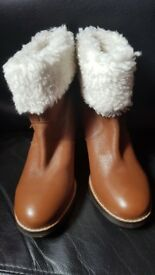 faith ankle boots size 4