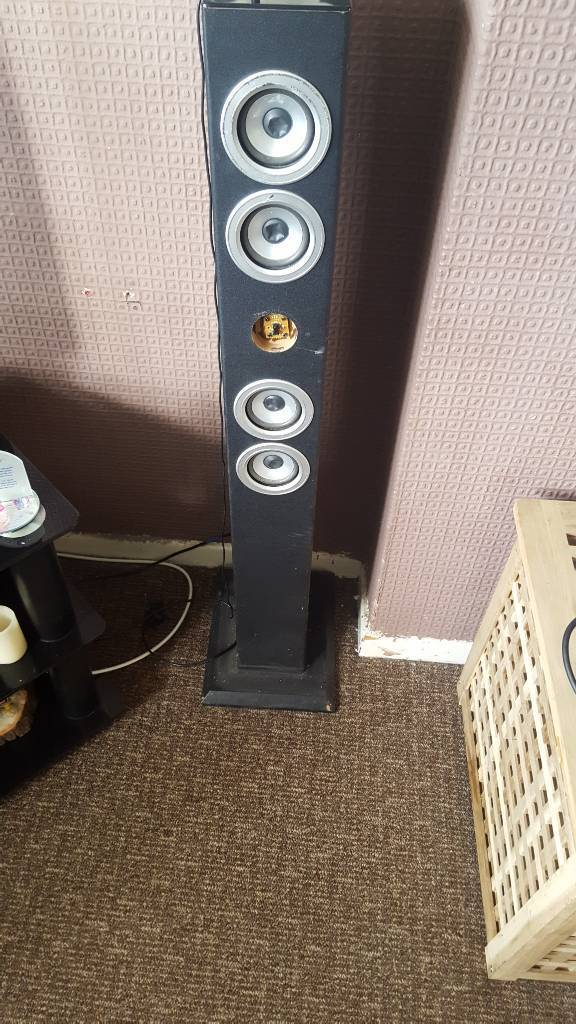 IPod speaker tower