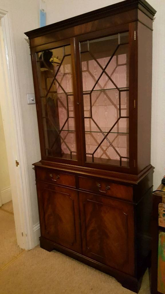 PRICE REDUCED Display cabinet / unit/ dresser with shelving drawers and light.