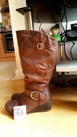 Skechers size 13.5 high girls boots