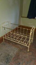 Beautiful Victorian antique cot