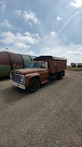 Early 70's Ford 600 Grain Truck