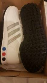 Adidas L.A trainers