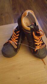 Unisex Levi trainers. Size 3