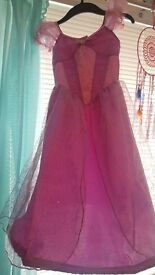 Deluxe Disney Store Tangled Dress age 5-6
