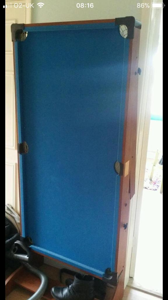 Small blue pool table 70 ono