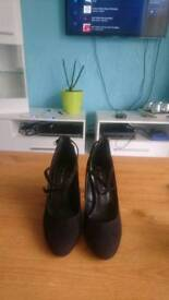 Womens shoes size 36