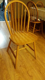 6 Wodden Dining Chairs Excellent Condtion