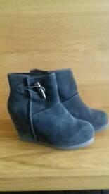 New Riverisland grey boots - size 6