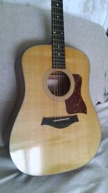 Taylor 310 Acoustic guitar and case