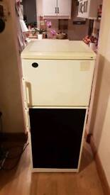 ☆ fridge freezer with a chalk board ☆ free local delivery 😊