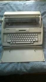 Electric typewriter