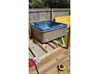 6 person aquaform /balboa controls hot tub