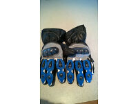 2 pair motorcycle gloves size med as new no marks,, collection only
