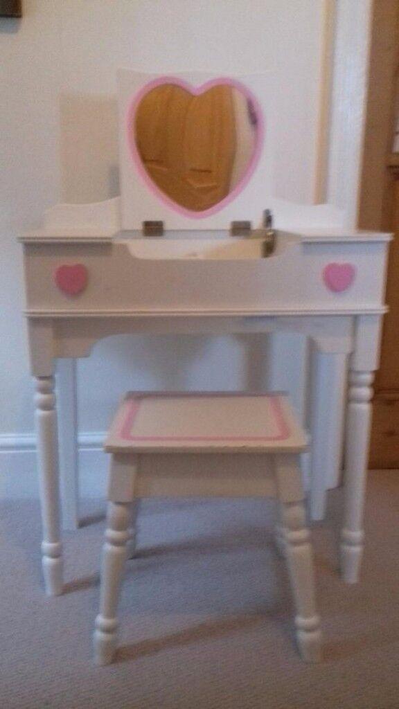 Girls' dressing table/desk