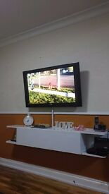 Sony 40 inch tv with stand ,in a good condition