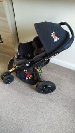 Quinny Moodd Britto edition stroller and Maxi Cosi car seat