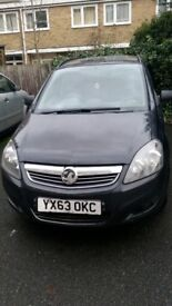 Vauxhall Zafira B AUX Input : )
