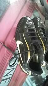 Nike kids football boots uk kids size 11 not used many times