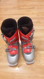 Ski boots for child size 24