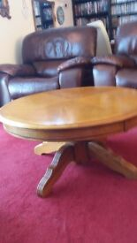 Coffee table in solid wood