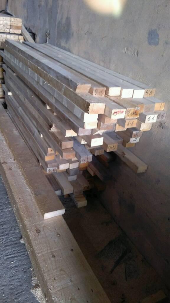 Job lot of timber mix sizes no 2