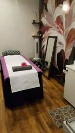 RELAXING FULL BODY MASSAGE by MARIKA