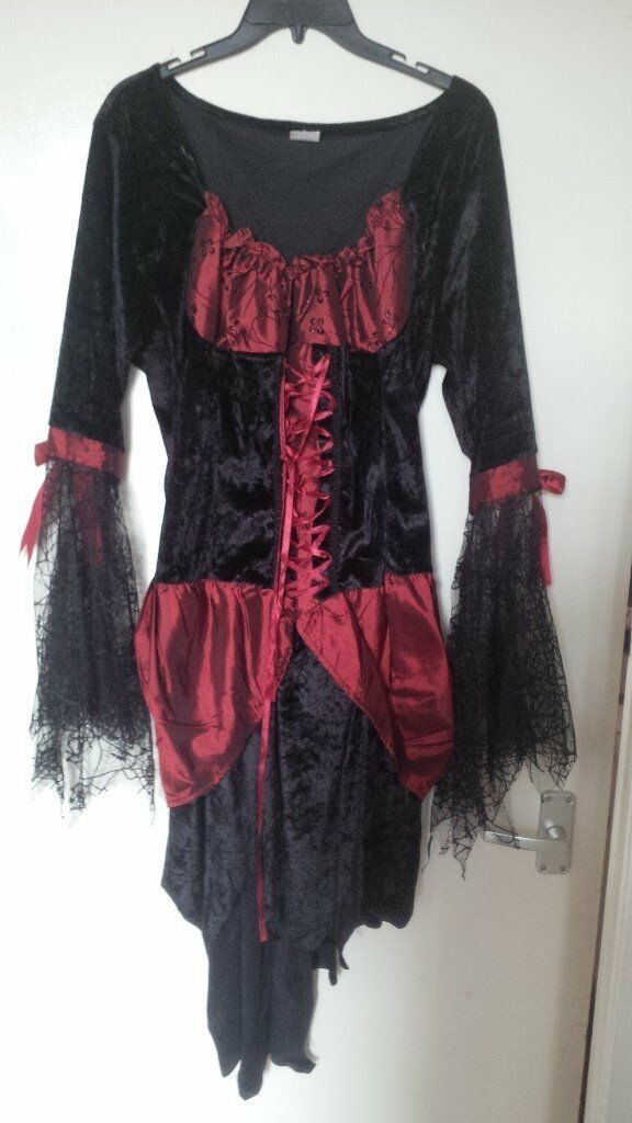 ladies halloween outfits size 16 and small or age 13/14