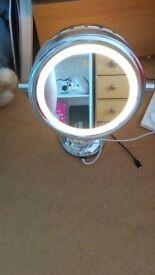 No.7 illuminated vanity mirror